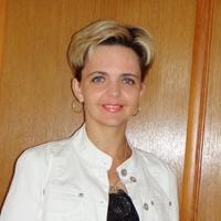 Елена Титова.