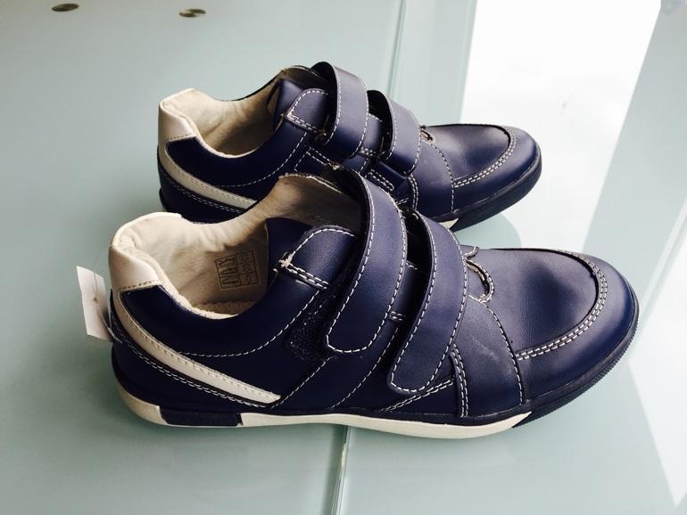 81a6ebde856a8c Продам абсолютно НОВЫЕ стильные кроссовочки-ботиночки Vincent (Винсент)  Швеция р.34. Качественные ботиночки синего цвета на двух липучках .
